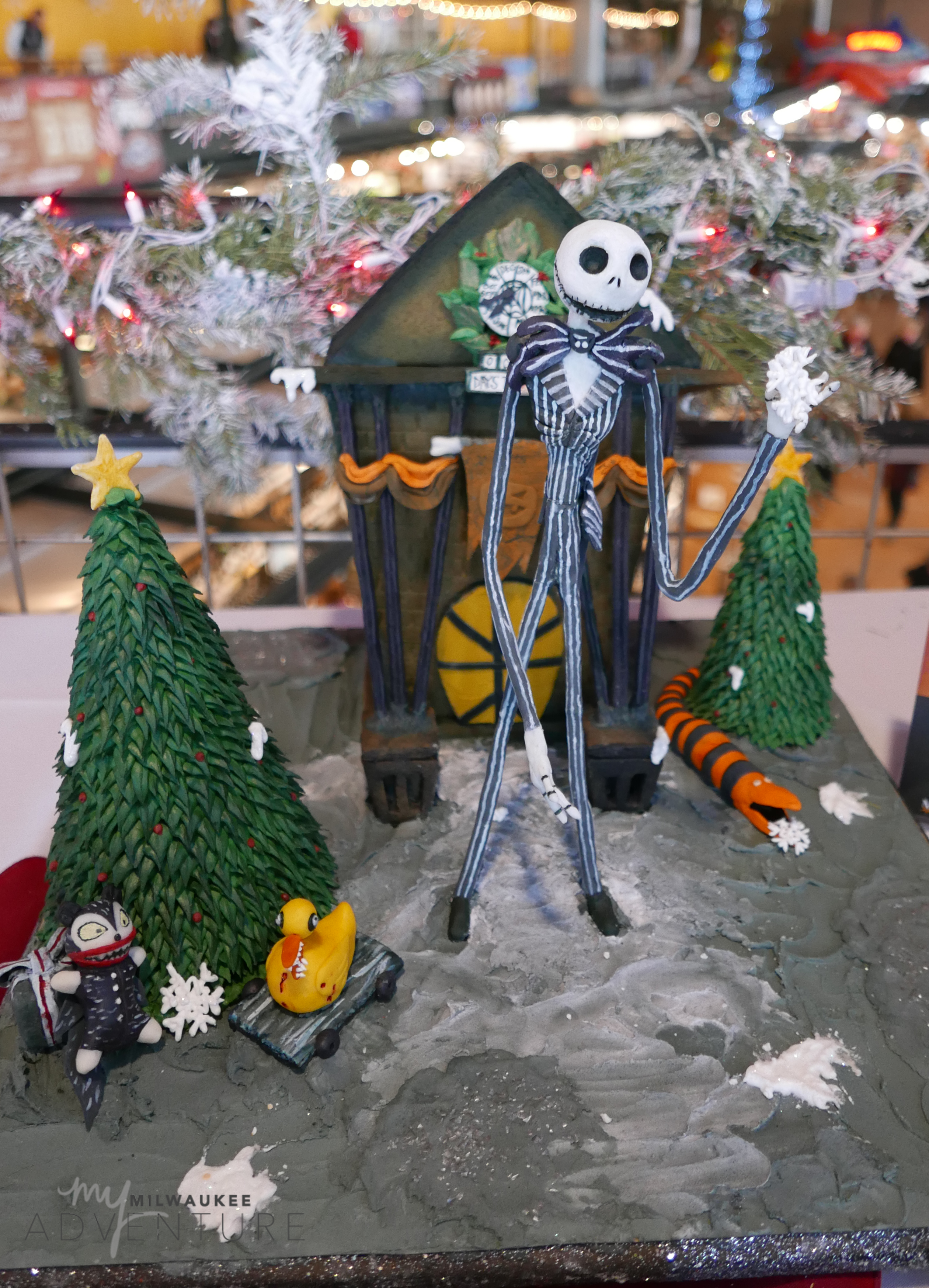 nightmare before christmas gingerbread house - Nightmare Before Christmas Gingerbread House